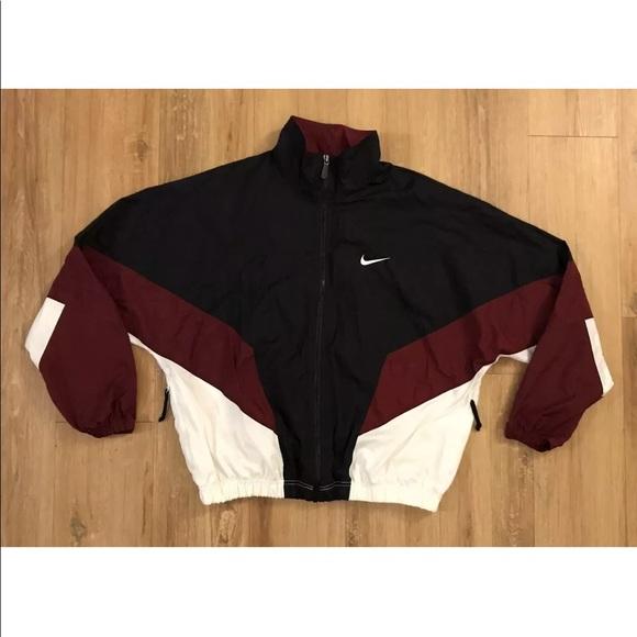 27e7900ad313 Vintage Nike Windbreaker Jacket Lined Color Block.  M 5b9f59edc9bf50616caceba3